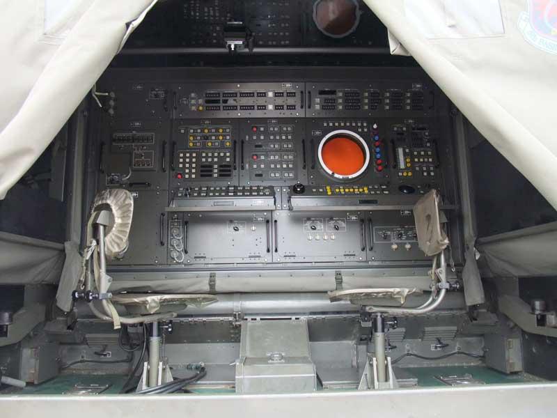 統制装置本体(短SAMの射撃統制装置)