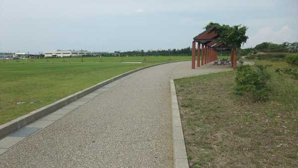 園路(サッカー・ラグビー場場付近)