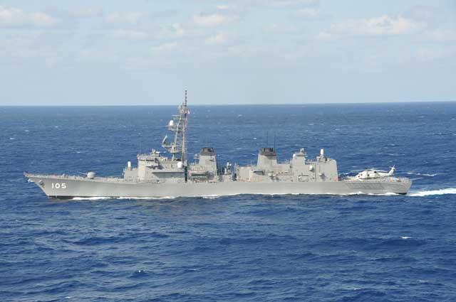 DD-105「いなづま」(護衛艦むらさめ型)の側面